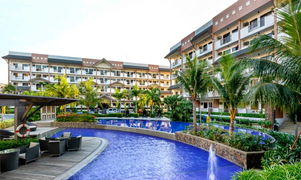 sienna park residences swimming pool
